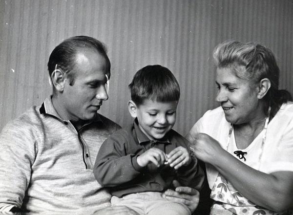 Эдуард Стрельцов с женой